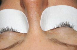 eyelashes e