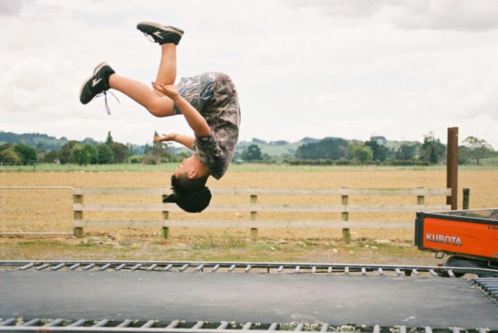 Abnehmen Mit Trampolin : abnehmen mit dem fitness trampolin 4 trampolins im sportlichen check ~ Watch28wear.com Haus und Dekorationen